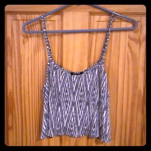 Grey and white patterned crop top